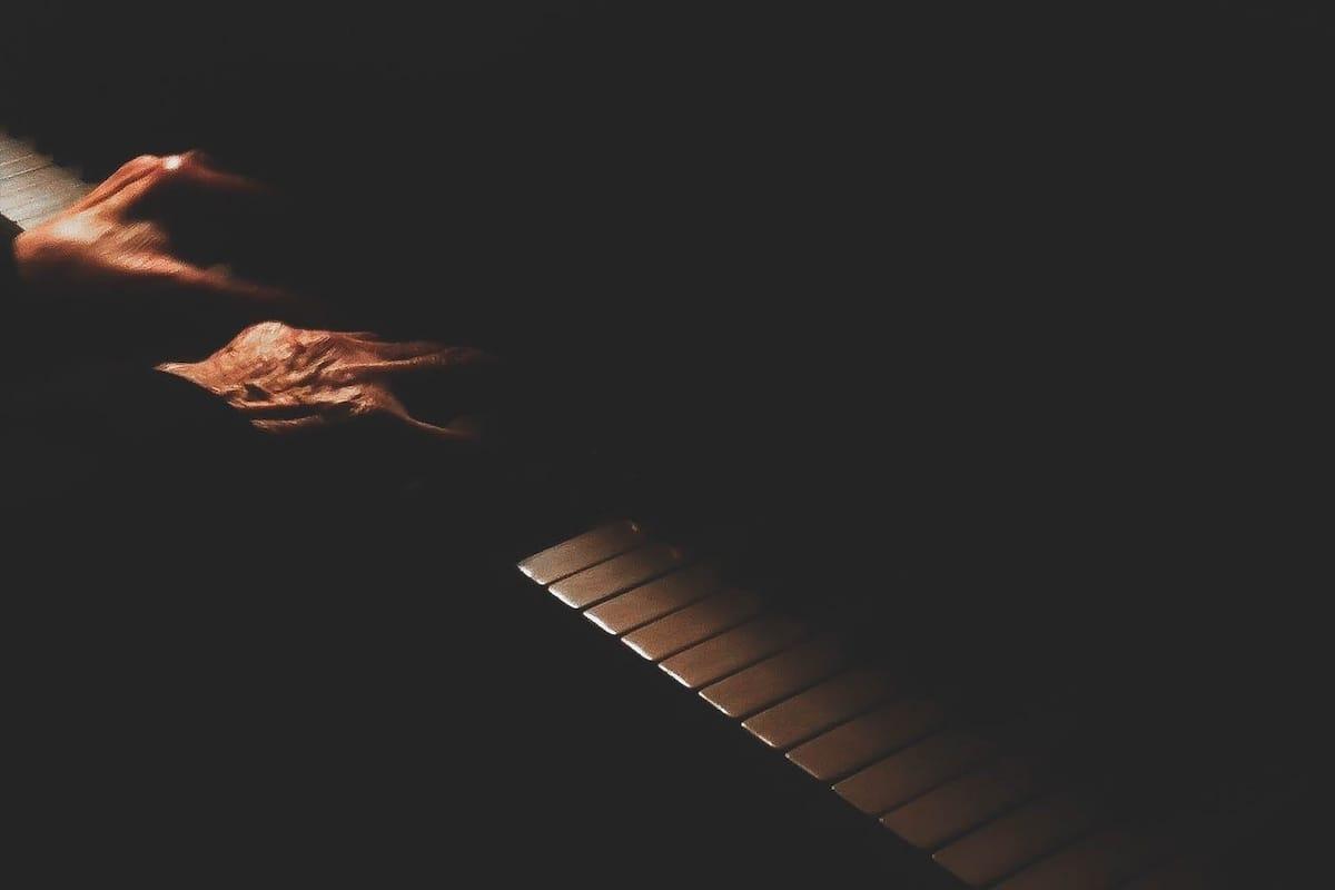 skambina_pianinu
